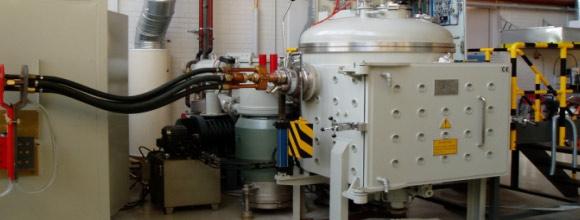 真空感应熔炼炉炉内状况发生变化时,可能会呈现实践温度与设定值相违反